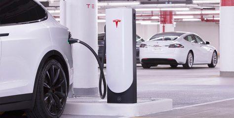 บริษัท Tesla Motors ส่งมอบรถยนต์ให้ลูกค้าทะลุ 100,000 คันในปี 2017