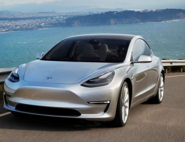 ตำรวจไทยเลือกใช้รถยนต์พลังงานไฟฟ้า Tesla Model 3